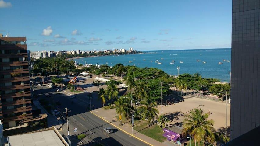 Quarto e Sala à Beira Mar em Pajuçara.