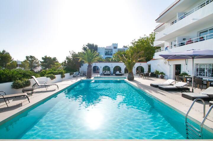 Vacaciones relajadas tranquilas y seguras en Ibiza