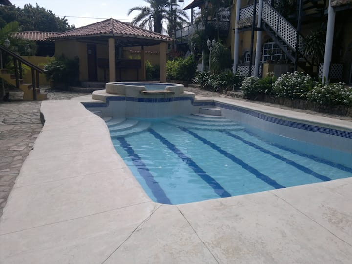 Aptos Tipo TownHouse Playa el Agua Margarita P1