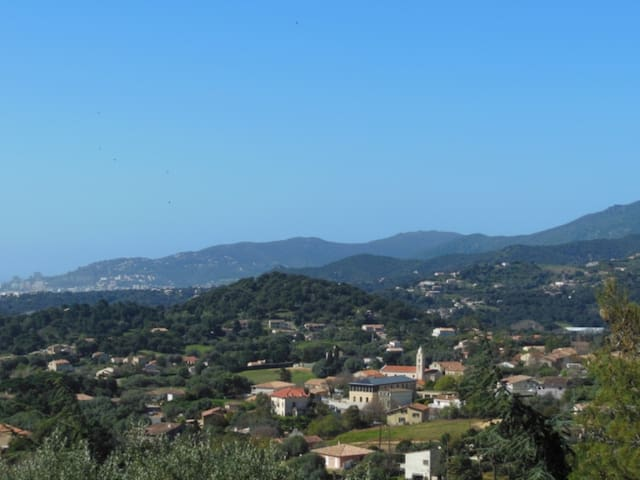 Vue panoramique golfe d'Ajaccio 4ch - Afa - Dům