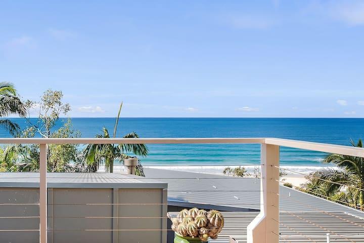 Currumbin beach house | 3 bed, Sublime ocean views