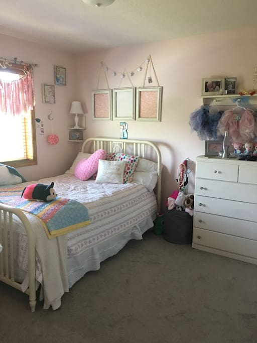 2nd room, Full size bed