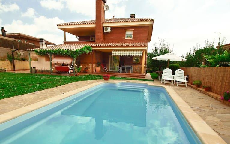 Villa Toldrà Budhaholidays - Sils - Maison