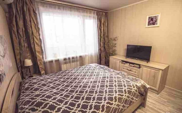 Квартира с 2 спальнями на Моторостроителей 9
