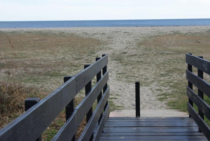 Mini villa en bord de mer, plage de sable fin
