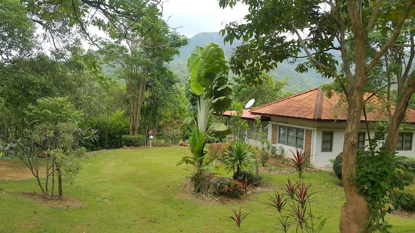 Chef's Country Home on the mountain, KaengKraChan