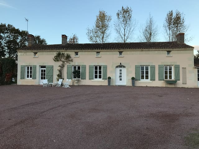Loire Valley - Le Clos du Sablon ~ 1 -10 guests - Nueil-sur-Layon - House