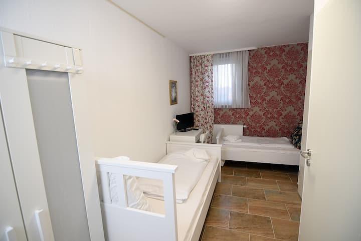Cozy Single Zimmer