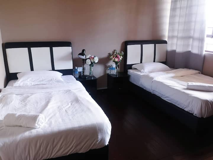 TerminaL 6 Homestay - Standard Twin Room