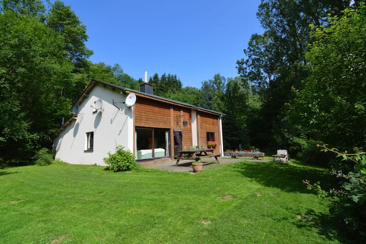Cosy Holiday Home in Noirefontaine with Garden