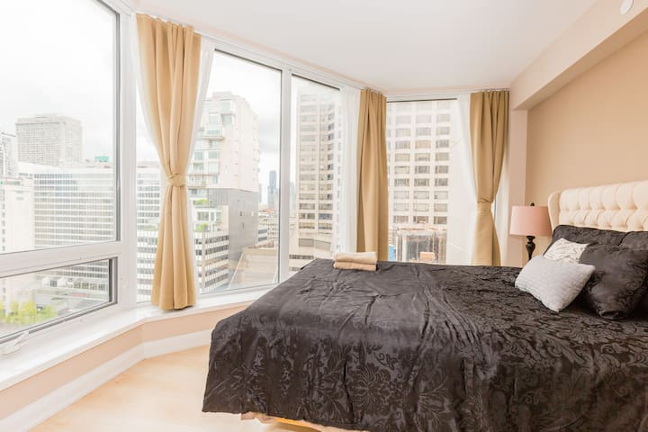 Beatiful view of Downtown Yorkville and Financial Dist from bedroom