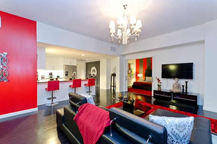 Gorgeous living room with HD TV and FREE wifi