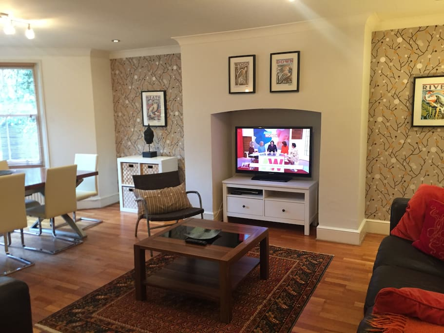 Lovely Open Plan Living - Sitting Room and Dining Area in One room, great for families
