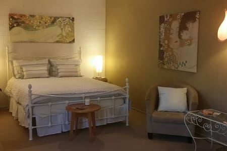 Unwind  at Bliss Studio.... - Mount Martha