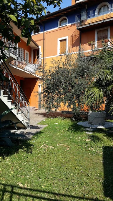 Lago garda appartamento vista lago appartamenti in for Appartamenti in affitto lago di garda capodanno