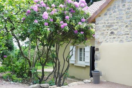 Charmante maison de campagne en Bourgogne du Sud