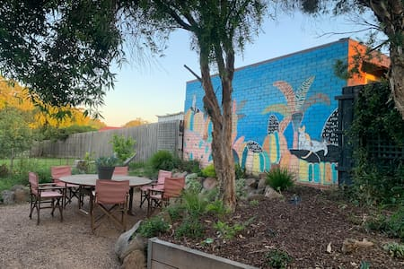 Lucy's Artist Retreat - Close to Melbourne Airport