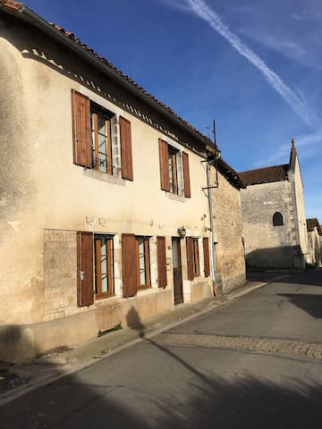 Lovely village home in Bayers, Charente