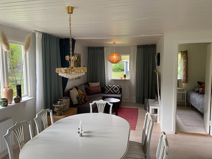 Idylliskt sommarhus på 112 m2 med sjöutsikt