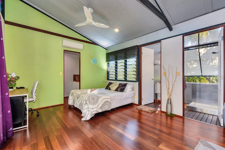 Tropical private bungalow & Eco friendly