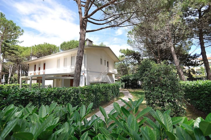 Villa x 8 persone immersa nel verde a 100 m mare - San Michele al Tagliamento - อพาร์ทเมนท์