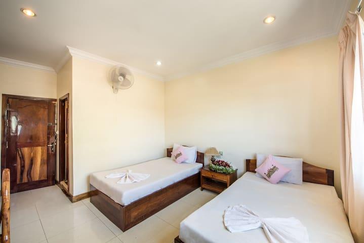 Standard Twin Room - Krong Battambang - Bed & Breakfast