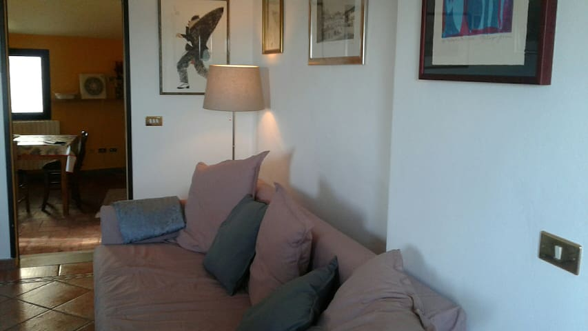 Nice convenient  attic flat to visit   Tuscany