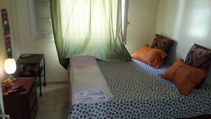 Chambre calme et coquette chez l'habitant - Dakar - Apartment