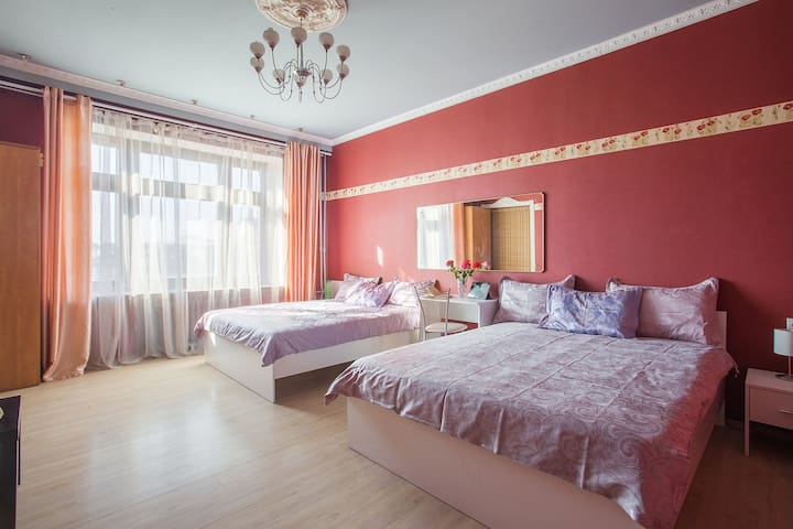 Cozy room in center for 4 near Belorussky station