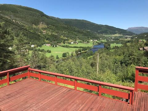 Hytte i Naustdal, kort veg til Førde