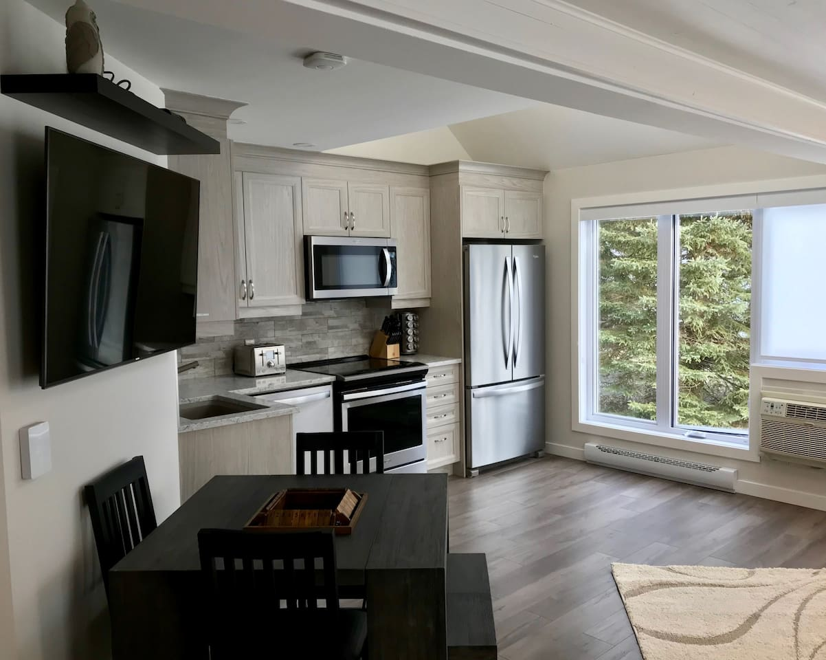FULLY RENOVATED CHALET RIGHT NEXT TO PEDESTRIAN VILLAGE SKI IN / SKI OUT  PREMIUM MONT TREMBLANT LOCATION