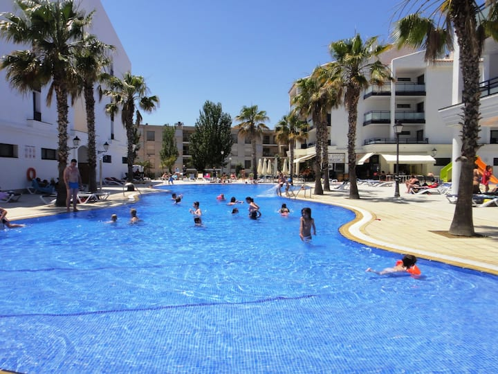 Apartments on the beachfront for 4 people. Ref.pins platja-24