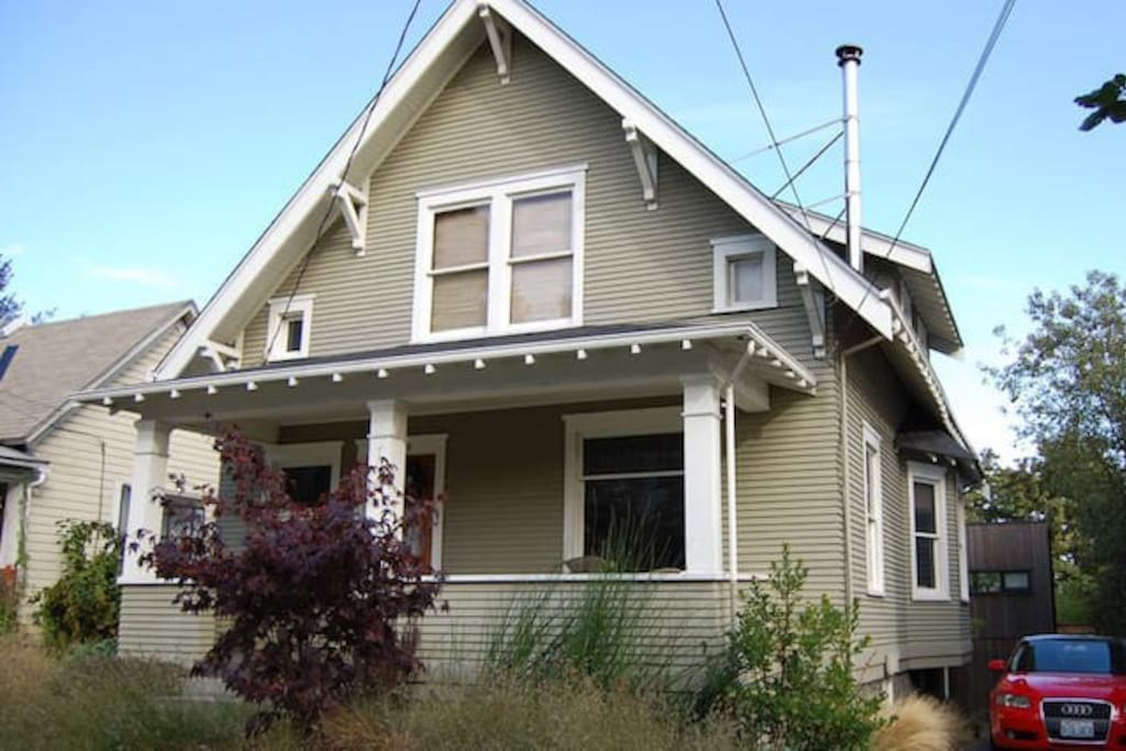 Beautiful 1912 Farmhouse Home Located In Fremont Houses For Rent In Seattle Washington