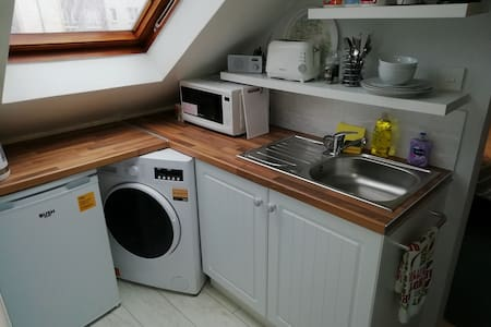 Largs self contained flat,clean and comfortable.
