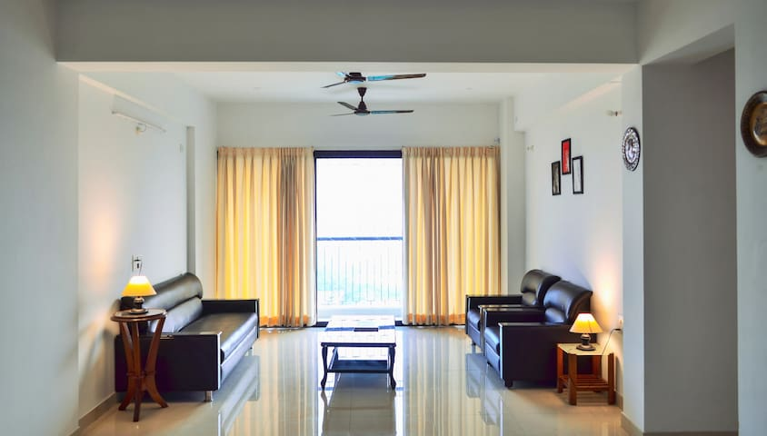 Blue Breeze 3bhk Apartment Homestay