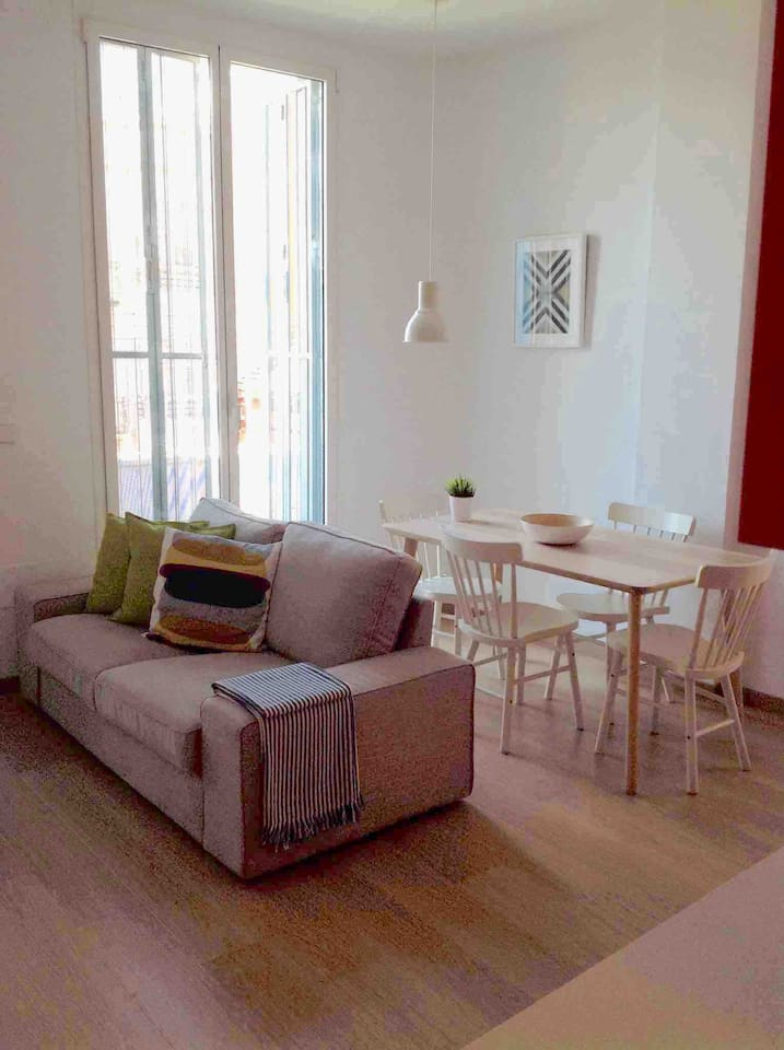 This Apartment is on the front of the building so gets sunshine morning through to the late part of the middle of afternoon.Large terrace area. There is free parking within the building for small to medium cars only.