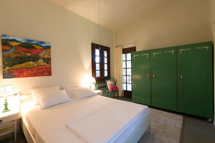 bedroom II (with double, single and baby cot)