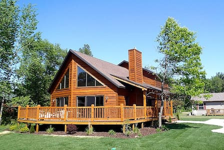 Ultimate Rustic Retreat @ Spring Brook Resort | Family Friendly Six Bedroom Home