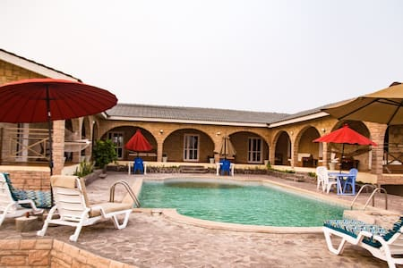Elmina Beach house w swimming pool
