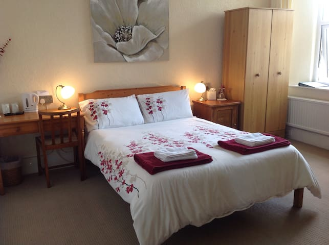 Double Bedroom in Highview B&B Guest House, Truro