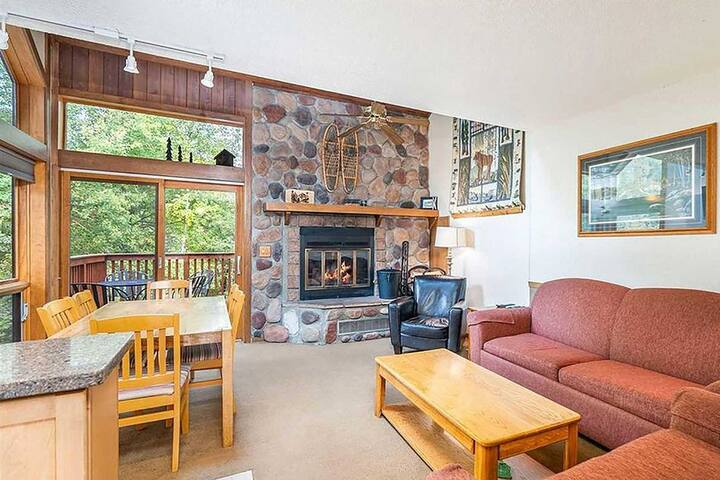 NEW! Ski-In /Ski-Out Resort Townhome on Lutsen Mtn