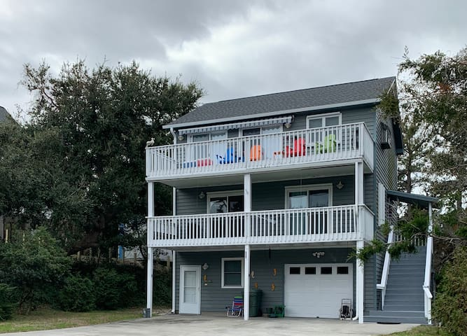 Shore Leave-A Vacation HOME with U.S. NAVY Flare