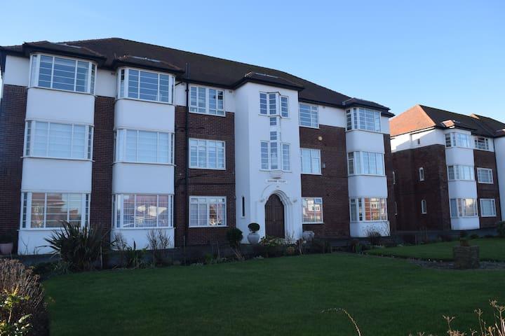 Queens Court Apartment - Lytham Saint Annes - Appartement