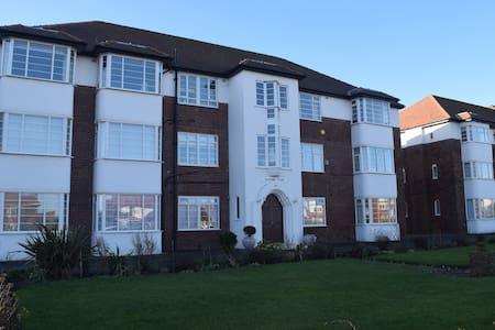 Queens Court Apartment - Lytham Saint Annes