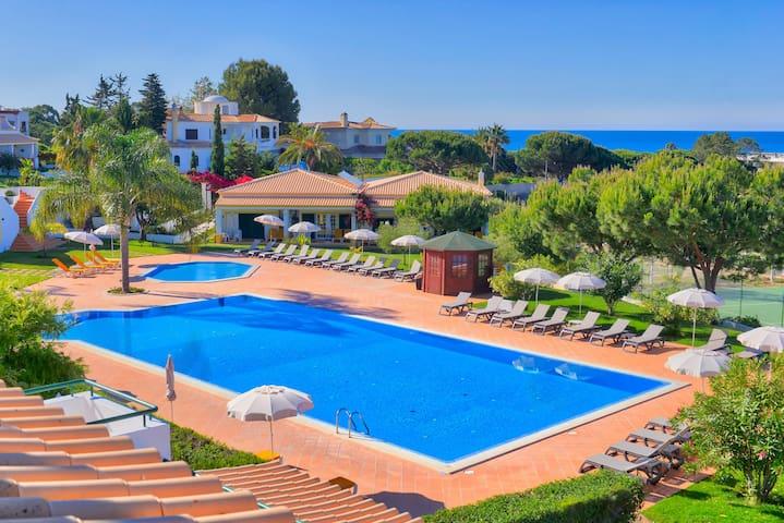 Villa 2 quartos com vista mar