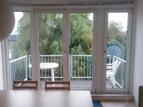 Hyggelig leilighet med balkong