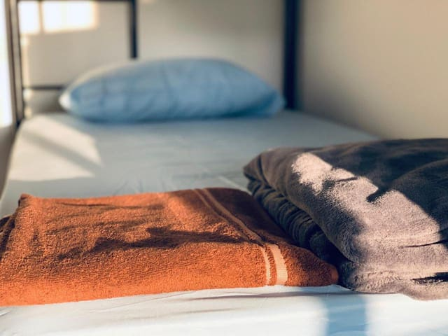 YOUR BED IN THE HEART OF LOS ANGELES | BEST DEAL