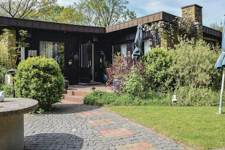 Holiday cottage with 2 bedrooms on 117m² in Juelsminde