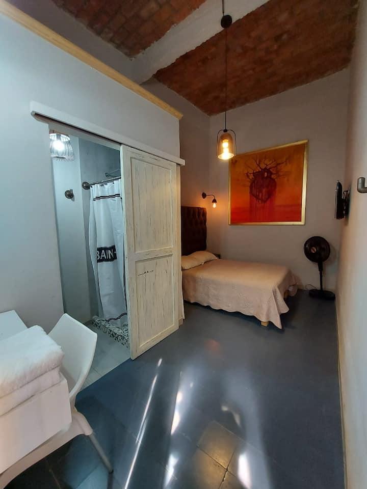 Habitación 4 Céntrica Hotel R y J
