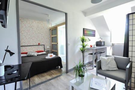 """La Tour du Grillon-Appartement """"La Vigne"""" - Gramat"""